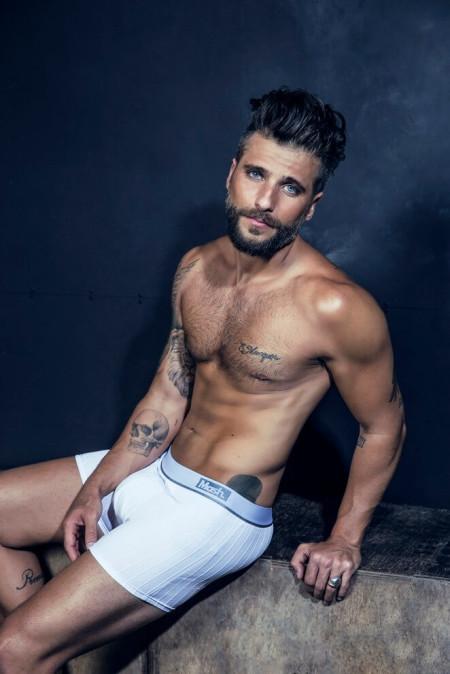 Bruno_Gagliasso_pacco